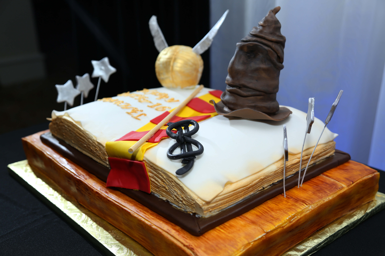 NYX Entertainment & Events Sweet 16 Cake